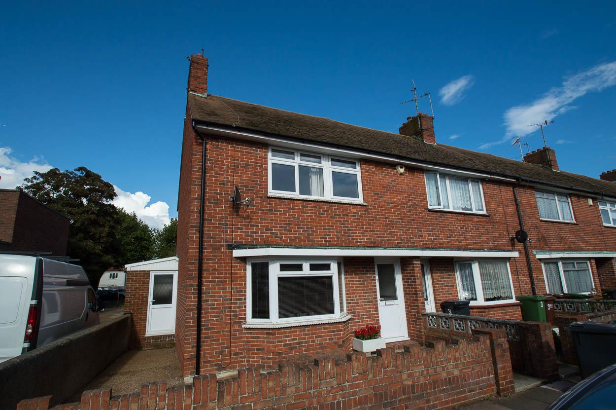3 Bedrooms End Of Terrace House for sale in Channel View Road, Eastbourne
